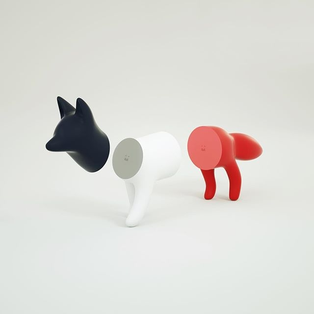 This Superfiction x Maison Kitsuné toy fox is just too cute! Available now at shop.kitsune.fr. Details: Limited edition tricolour fox in three magnetic parts. Comes in a neat Maison Kitsuné box. @superfiction_sf x @kitsune